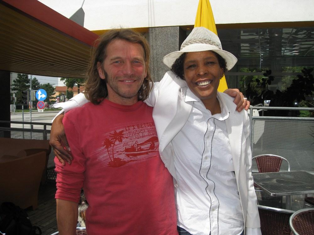 Hans Söllner mit Marla Glen